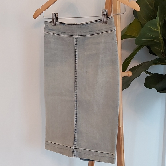 The Castings Jean Skirt Size 00
